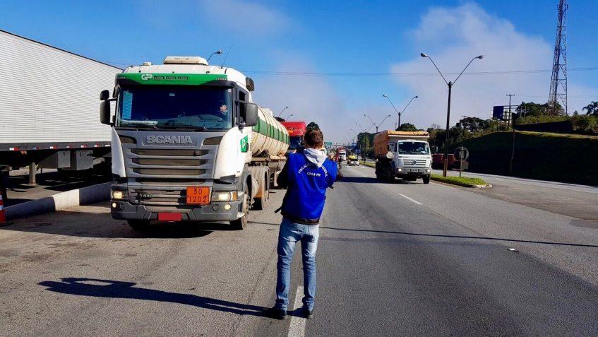 Imagem ilustrativa para Agentes Fiscais do Crea-PR participam de ação em prol da segurança social e ambiental