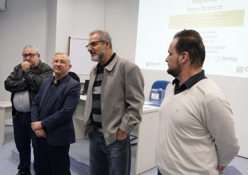 #pratodosverem Coordenador-adjunto Nilton Prado, presidente Ricardo Rocha, coordenador Samir Jorge e o gerente da Regional pato Branco Diogo Colella