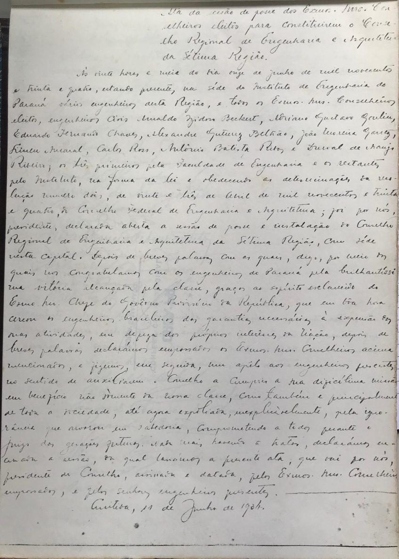 Foto da primeira ata do Crea que, na época, era escrita à mão